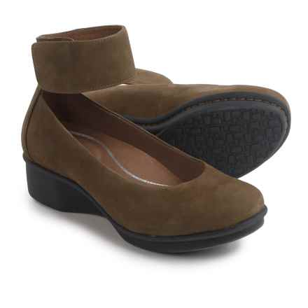 Dansko Lulu Nubuck Shoes (For Women) in Khaki Nubuck - Closeouts
