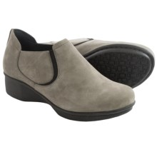 Dansko Lynn Leather Shoes (For Women) in Khaki Nubuck - Closeouts