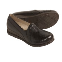 Dansko Pia Shoes - Leather (For Women) in Chocolate - Closeouts