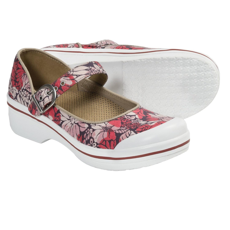 Dansko Valerie Mary Jane Shoes (For Women) in Red Hawaii