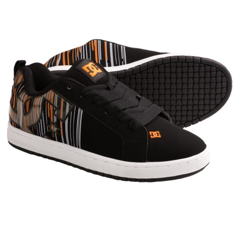 DC Shoes Court Graffik SE Skate Shoes (For Men) in Classic Orange