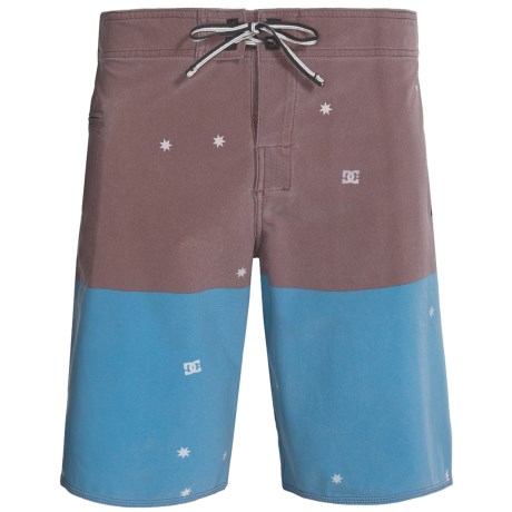 DC Shoes Interstate Boardshorts (For Men) in Vivid Blue
