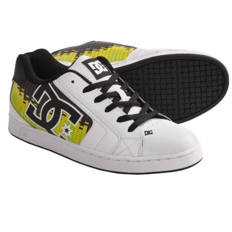 DC Shoes Net SE Skate Shoes (For Men) in White/Black/White Print