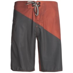 DC Shoes Province Boardshorts (For Men) in Athletic Red