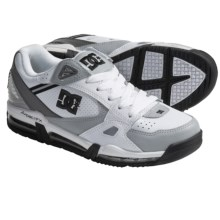 DC Shoes Versaflex Skate Shoes (For Men) in White/Armor - Closeouts