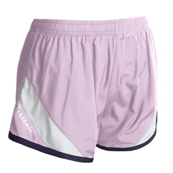 Descente Revo Shorts (For Women) in Orchid/White