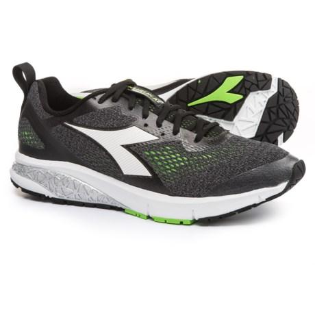 Diadora 2 Running Shoes (For Men) in Jet Black/Green Fluo