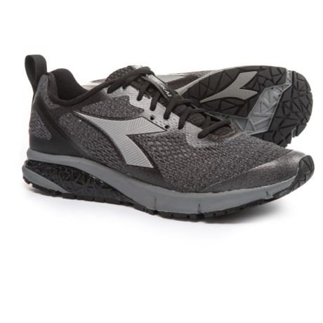Diadora Kuruka 2 Running Shoes (For Men) in Black/Silver