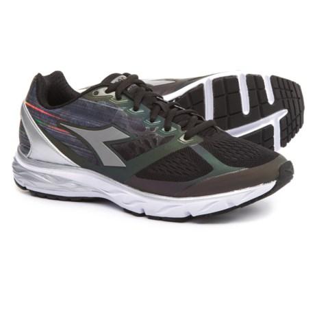 Diadora Mythos Blushield Hip Running Shoes (For Women) in Black/Black/Silver