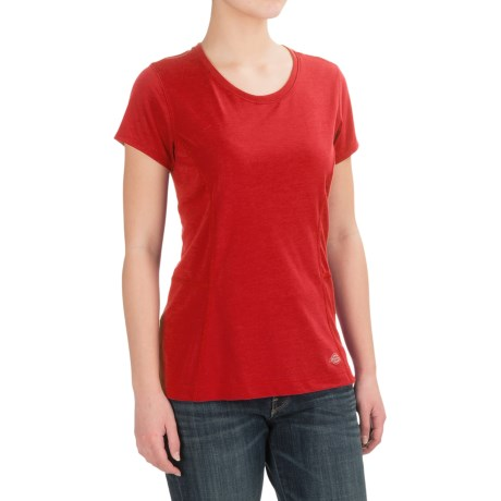 Dickies High-Performance T-Shirt - Short Sleeve (For Women) in Cardinal