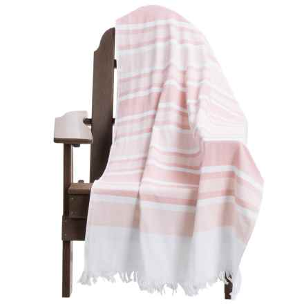 "Dohler USA Nostalgic Beach Towel - 36x70"" in Pale Salmon - Overstock"