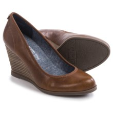 Dr. Scholl's Penelope Wedge Shoes (For Women) in Whiskey - Closeouts