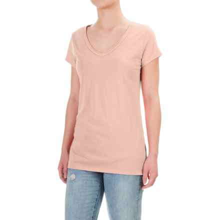 dylan Luxe T-Shirt - V-Neck, Short Sleeve (For Women) in Blush - Closeouts