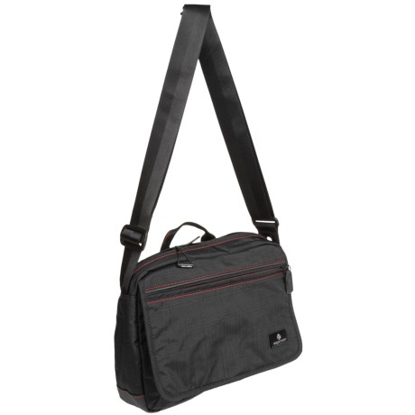 Eagle Creek Broland Guide Courier Bag in Black