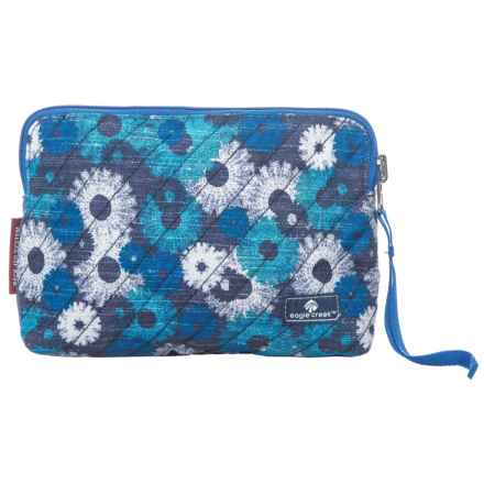 Eagle Creek Pack-It® Original Quilted Reversible Wristlet in Daisy Chain Blue - Closeouts