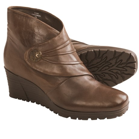 Earth Dune Ankle Boots (For Women) in Cinnamon