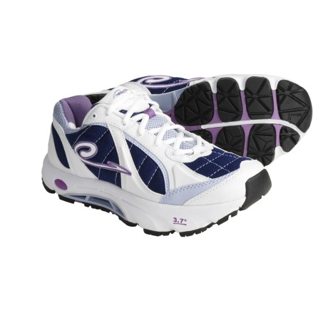 Earth REtrain-K Sneakers (For Women) in White/Navy