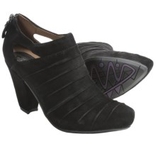 Earthies Barina Heels - Suede (For Women) in Black - Closeouts