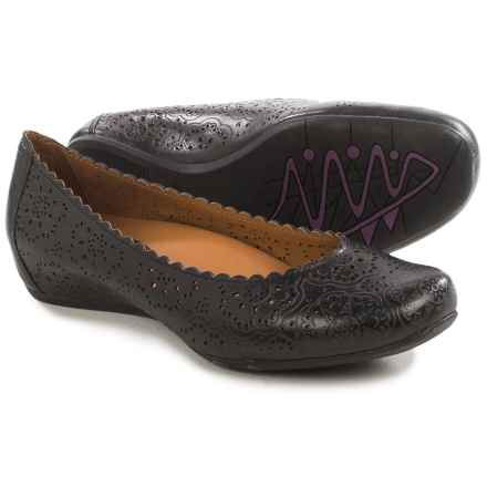 Earthies Bindi Leather Ballet Flats (For Women) in Black Leather - Closeouts