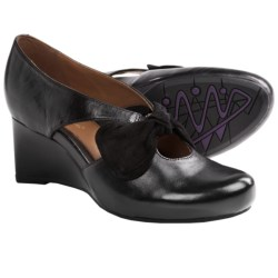Earthies Bristol Pumps - Wedge Heel (For Women) in Bark Calf Leather
