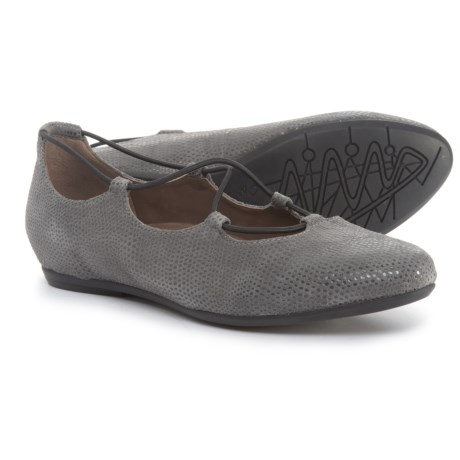 Earthies Essen Ghillie Flats - Suede (For Women) in Grey