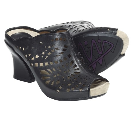 Earthies Laguna Sandals - Leather (For Women) in Black Calf