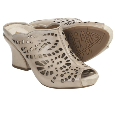 Earthies Laguna Sandals - Leather (For Women) in Putty Calf