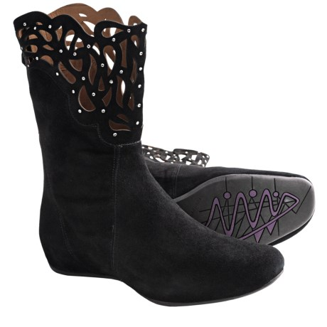 Earthies Raaka Boots - Suede (For Women) in Black Suede