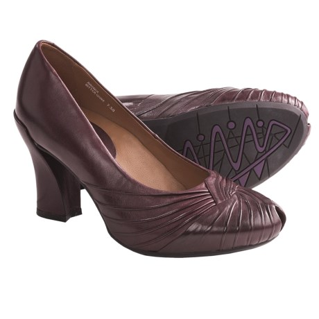Earthies Raynia Pumps - Leather (For Women) in Wine Leather