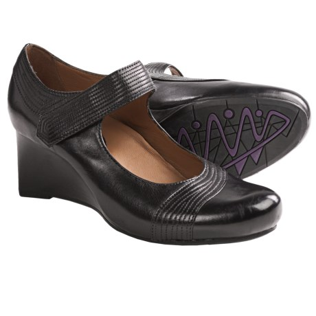 Earthies Savona Mary Jane Shoes (For Women) in Black Calf