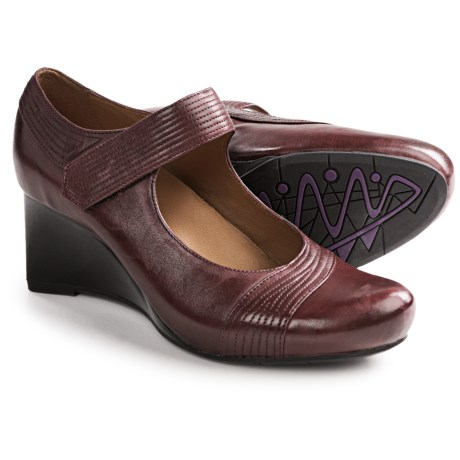 Earthies Savona Mary Jane Shoes (For Women) in Merlot Calf