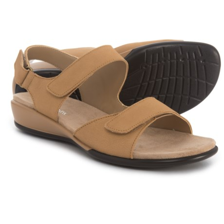 Easy Spirit Hartwell Sandals - Leather (For Women) in Light Saw Dust