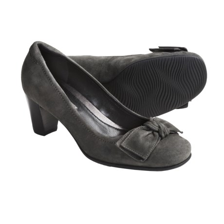 ECCO Hanna Large Bow Pumps - Suede (For Women) in Ascot Suede