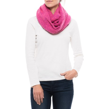 eira Infinity Scarf (For Women) in Shocking Pink
