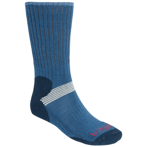 2NDS.  Great for cross-country skiing and hiking, Bridgedale's Cross Country ski socks put comfort at the forefront with itch-free merino wool, stretch zones at the ankle and instep, and smooth-finished toe seams that won't irritate or chafe. Available Colors: RED/DRED, BLU/DBLU, GRY/CHRCL, STORM BLUE. Sizes: M, S, L.