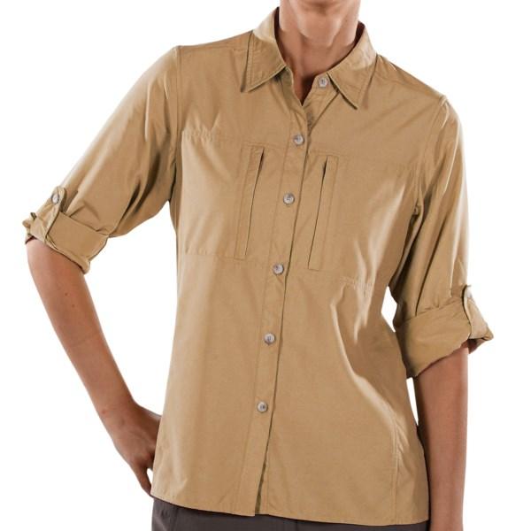 CLOSEOUTS . With ExOfficio's Dryflylite shirt, you'll stay dry and cool on autumn hikes or overnight flights. Lightweight nylon-poly blend wicks moisture and dries fast. Available Colors: CAYENNE, BONE, LIGHT ALOE, FLAMINGO, LIGHT AZURE, WASABI, LIGHT LAGOON, SKY, LIGHT AEGEAN, ARCTIC, AMETHYST, LEMON, CORAL, LIGHT BLOSSOM, PALM, DARK MARINE, LIGHT PINOT, ROSEWOOD, ACORN, DK THISTLE, LIGHT JADE, LIGHT OPAL, LIGHT CORAL, LAPIS, 07, DEEP GRAPE, DEEP TURQUOISE, DEEP JADE, WHITE, HIBISCUS, RAINIER, SEAGLASS, OYSTER, MELON, RASPBERRY, WINE, ROSEMARY, ENSIGN, PLUM, LYCHEE, MEDITERRANEAN, DARK VERBENA, FRAMBOISE, LIGHT LAPIS, GLAMOUR, PIZAZZ, VARSITY, CHLORINE, CHAI, DAZZLE, ANTIQUE. Sizes: M, XL, S, XS, L, 2XL.