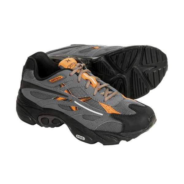 photo of a Aetrex trail running shoe