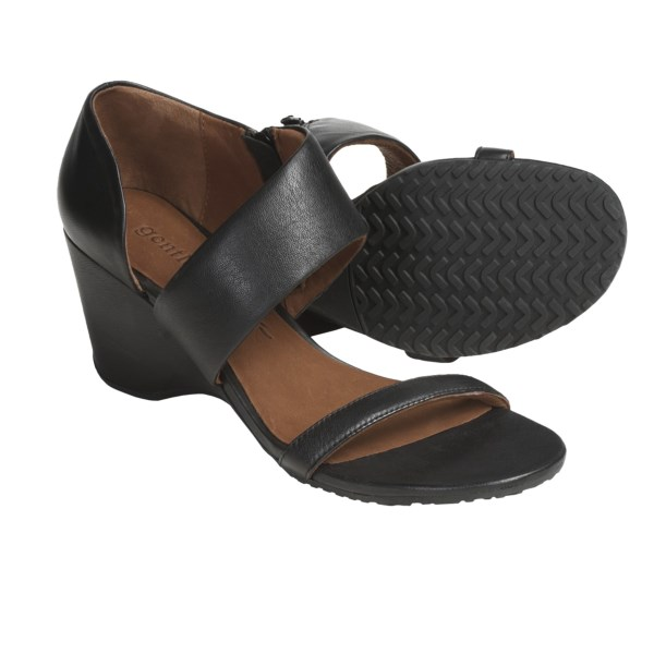 CLOSEOUTS . Your favorite cuts, prints and colors are sure to find a friend in Gentle Souls' Brooklyn Ridge shoes -- made with a flattering open toe and sculpted heel that's ideal for walking. Available Colors: BLACK, CAMEL. Sizes: 6, 6.5, 7, 7.5, 8, 8.5, 9, 9.5, 10, 11.