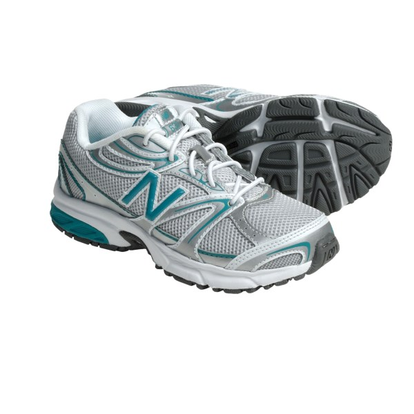 photo: New Balance 632 Running Shoes