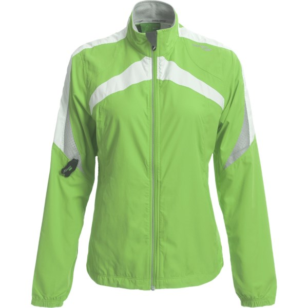 photo: Saucony Ethereal Run Jacket