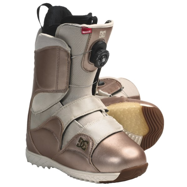 CLOSEOUTS . Rip down the mountain in these technically advanced DC Shoes Mora snowboard boots with BOAand#174; lacing system. With tons of ways to customize your fit, these boots promise to make you happy from the first run to your last. Available Colors: ROSE GOLD. Sizes: 6, 7, 7.5, 8, 8.5, 9, 9.5, 10.