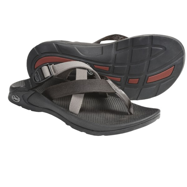 CLOSEOUTS . The classic flip-flop gets a strappy update -- Chaco's Hipthong EcoTread Two sandals feature two extra criss-crossing straps with an adjustable buckle. Available Colors: DYNAMIC RUST, BLACK, RED LINE, ZIP, KNIGHT, GROVE, WAKE, SCHOOL, SHOAL, THICKET, DIAMOND EYES DASH. Sizes: 7, 9, 12, 13, 14, 15, 8, 10, 11.