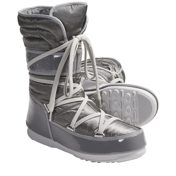 photo: Tecnica Moon Boot W.E. Shorty