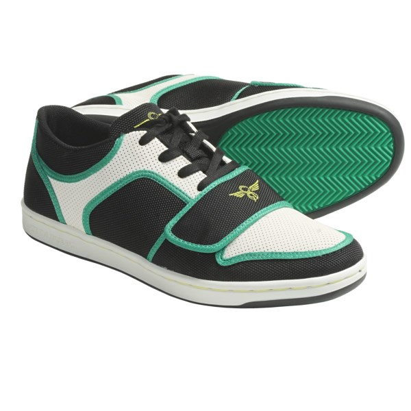 CLOSEOUTS . Creative Recreation Cesario Lo skate shoes offer a boatload of skate style and attitude, along with a durable nylon-mesh and synthetic-leather design that is always ready to shred, but won't get shredded after only one session! Available Colors: BLACK/CLOUD/TURQUOISE, BLACK KUSH, BLACK/WHITE, CHARCOAL DENIM, CHARCOAL/GREY/PAPAYA, GRANITE, SMOKE/CORAL, WHITE/BLACK/PURPLE. Sizes: 7, 7.5, 8, 8.5, 9, 9.5, 10, 10.5, 11, 11.5, 12, 13, 14, 15.