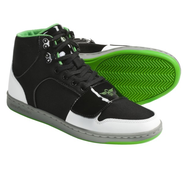 CLOSEOUTS . Creative Recreation Cesario skate shoes style out with a classic skate-shoe vibe, and they stand up to the rough stuff with a durable upper and rugged metal eyelet and hook lacing. Available Colors: BLACK/WHITE/GREEN, KHAKI SUEDE. Sizes: 7.5, 8, 8.5, 9, 9.5, 10, 10.5, 11, 11.5, 12, 13, 14, 7.