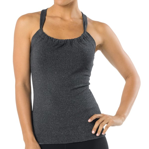 CLOSEOUTS . Take the warm weather by storm in prAna's Quinn top. The soft, quick-drying and abrasion-resistant Chakara fabric has a touch of Lycraand#174; for stretch, and the built-in shelf bra ensures support for any outing. Available Colors: WHITE, CORAL, AGAVE, AMETHYST, BERRY, CAPRI BLUE, POPPY, FIRE RED, BLACK, CHARCOAL HEATHER, DRAGONFLY, PINKBERRY. Sizes: XS, S, M, L, XL.