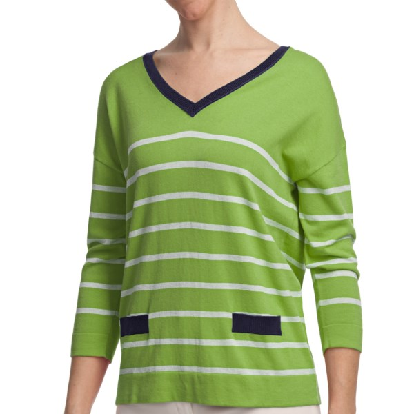 CLOSEOUTS . August Silk's stripe V-neck shirt is right on trend with its sensationally soft cotton-modal knit. Details include encircling stripes, faux pockets and a contrasting ribbed inset paired with tonal buttons that runs from neckline to hem. Available Colors: GREEN/NAVY, CORAL/SAND HEATHER, ROYAL/GREY/CITRON. Sizes: S, M, L, XL.