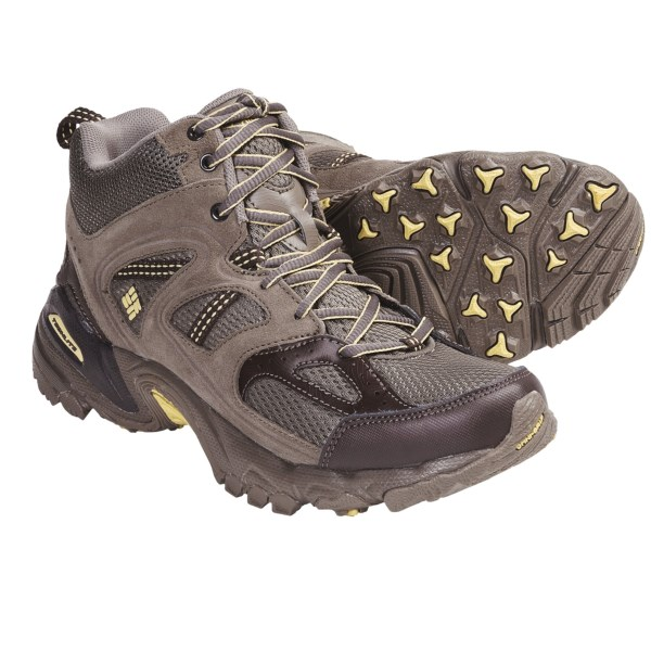 photo: Columbia Women's Wallawalla 2 Mid Omni-Tech