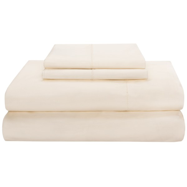 Overstock fabric . Itand#39;s been a long day; end with a smile as you cozy under Peacock Alleyand#39;s Saville Queen sheet set, finely made of durable, breathable and exceptionally smooth 200 thread count Egyptian cotton sateen. Available Colors: WHITE, IVORY, TAUPE. Sizes: QUEEN.