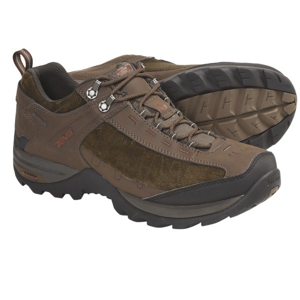 photo: Teva Men's Raith Leather WP